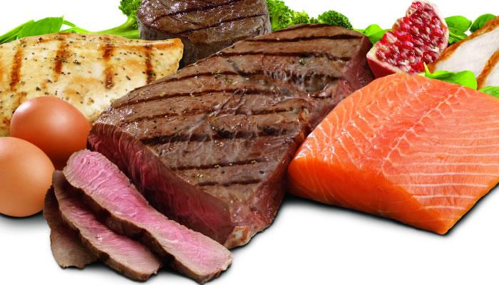 Segundos os nutricionistas, a melhor forma para ganhar massa magra de forma saudável é o conjunto de alimentação saudável e a prática de exercícios.